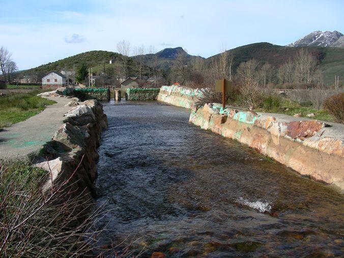 Mena de babia ayuntamiento de cabrillanes for Piscinas fluviales leon